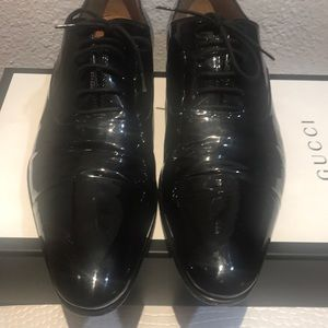 AUTHENTIC GUCCI PATTERN LEATHER SHOES